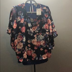 Floral top with winged sleeves